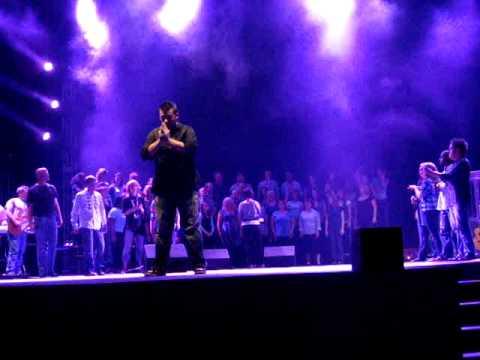 Bohemian Rhapsody Dustin Ah Kuoi with 12 Stone Choir