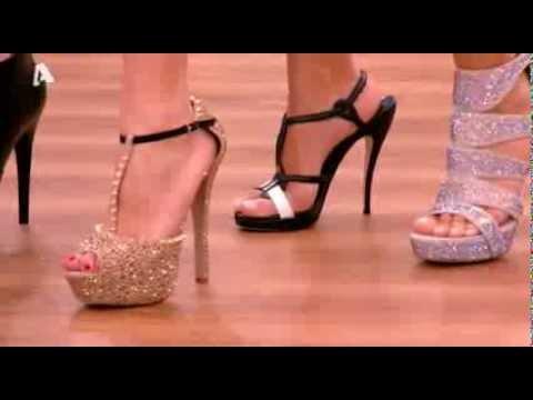 820b33b1f57 Η Φαίη Σκορδά δοκιμάζει σανδάλια #2 | FunnyCat.TV