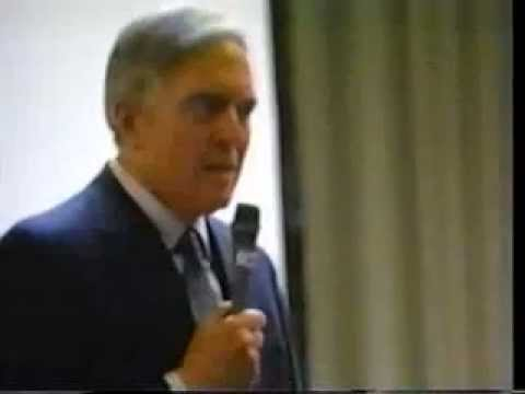 Angus Scrimm at goria's WEEKEND OF HORRORS in San Jose 1990