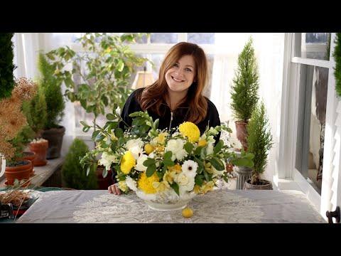 How I Build a Flower Arrangement! 🌿✂️🌼// Garden Answer