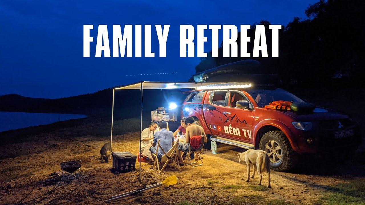 Đưa cả gia đình bên vơ đi trốn ở hồ Thác Bà