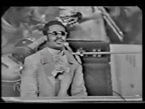 Stevie Wonder - Never Dreamed You'd Leave In Summer - Live