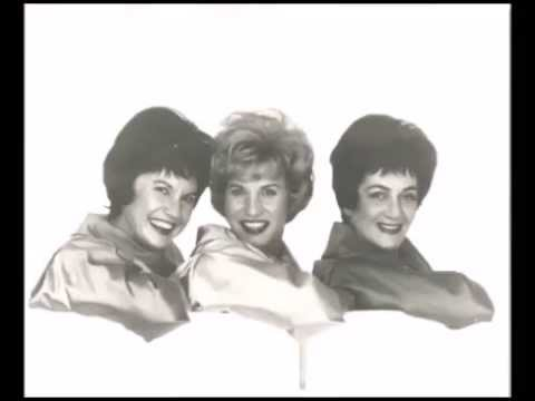 Andrews Sisters - I'm Looking Over A Four Leaf Clover