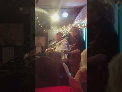 Taylor Swift singing Shake It Off at the Bluebird Cafe