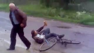 Собака подрезала пьяного мужика