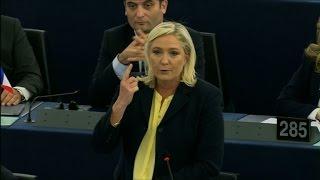Vif échange entre M. Le Pen et F. Hollande au Parlement européen