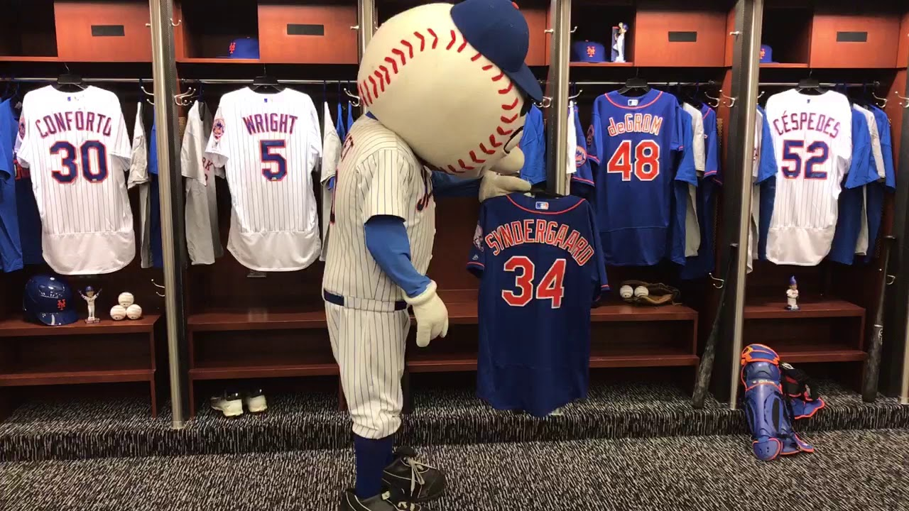 best loved 240d2 6dc27 The Mr. Met - Syndergaard Feud Continues