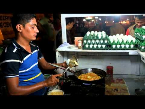 Ahmedabad Street Food: Omelette Center Ahmedabad (India) Video 1 ( Shot on Fujifilm X-T1)