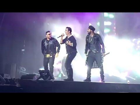 Akshay kumar, Badshah and Manj Music Live on Stage