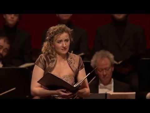 Olga Zinovieva - Mozart Agnus Dei (Concertgebouw Amsterdam, live)