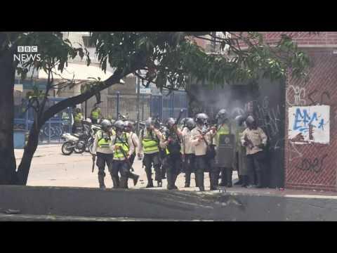 Venezuela crisis׃ Three killed at anti government protests   BBC News