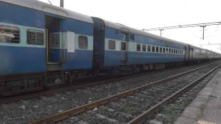 16325 AHILYANAGARI EXPRESS halts at Lakshmibai Nagar Indore