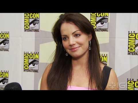 Smallville s  Erica Durance  ComicCon '10
