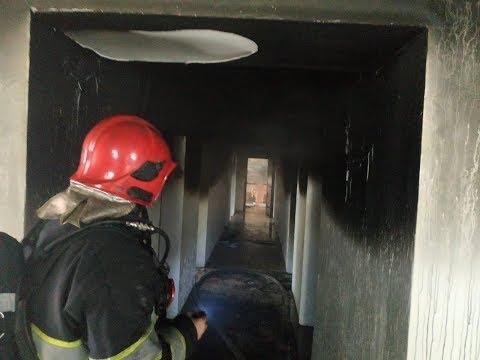 MNSKHM: На Хмельниччині надзвичайники ліквідували пожежу в адмінбудівлі з тимчасовим проживанням громадян