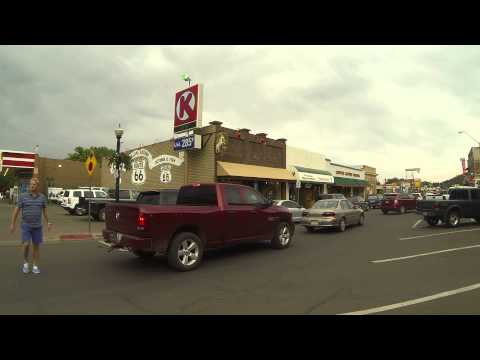 Tourists & Traffic pass on Historic U.S. Route 66 Highway, Williams, Arizona, 6 Aug 15, GP120169