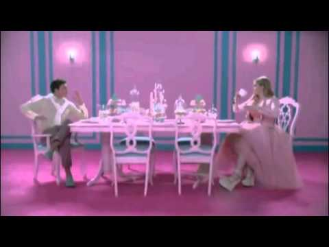 Meghan Traitor feat Bahar - Pusing Pala Barbie