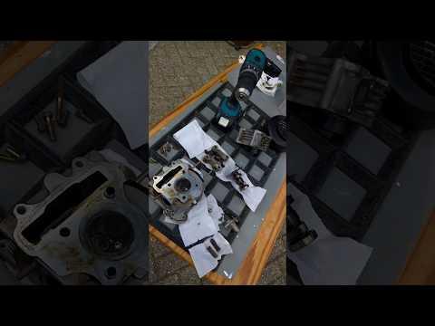 ZEN En De Kunst Van De Scooter Reparatie