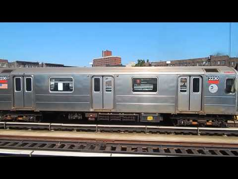 Bronx/South Ferry-bound R62A (1) trains at 207th Street (IRT Broadway-7th Avenue Line)