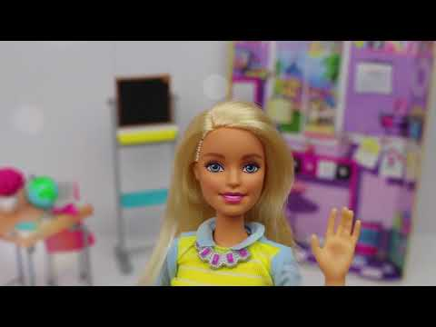 Barbie İle Okula Döndüm ! ( Gerçek Yazı Tahtası ve Tebeşirli İNANAMADIM! ) Barbie; Bidünya Oyuncak