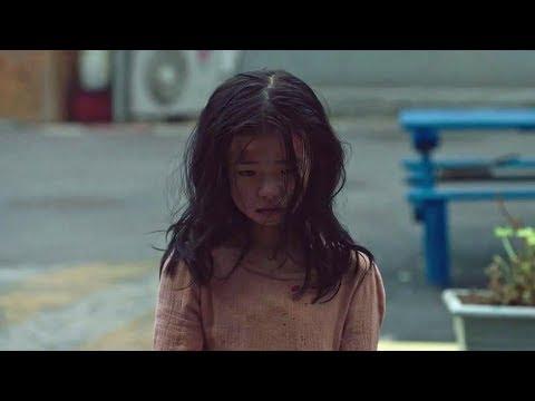 女孩每天都躲在厕所里,那是她最安全的地方!看到让人痛心!