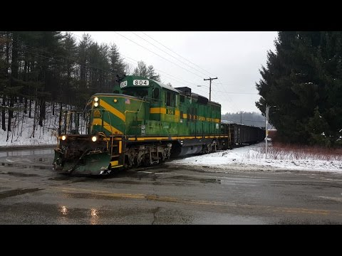 Green Mountain Railroad - GP-9 in Downtown Montpelier