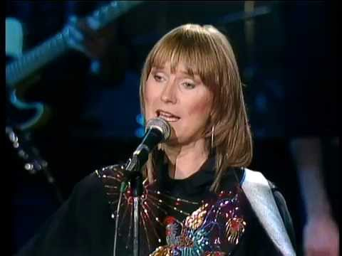 Gail Davies - Someone is Looking For Someone Like You