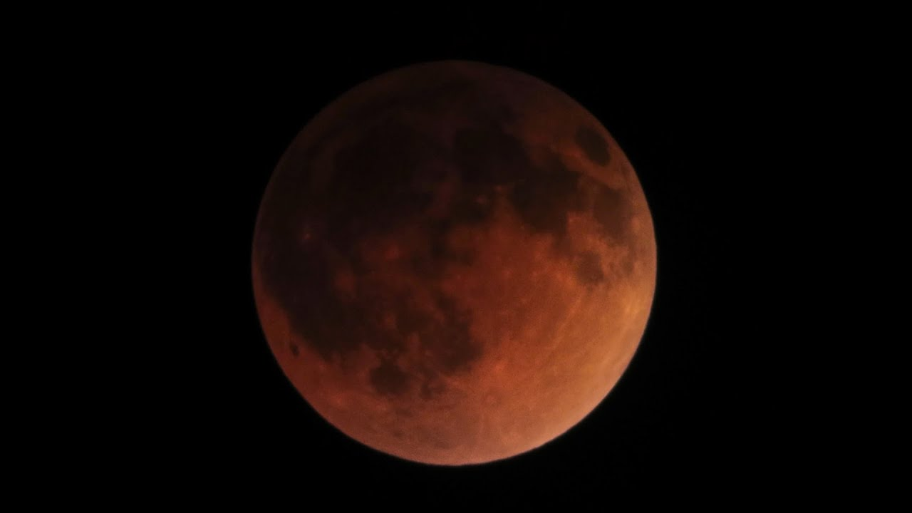 Total Lunar Eclipse   April 14-15, 2014   Time Lapse
