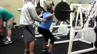 Kaylee squatting 135 below parallel