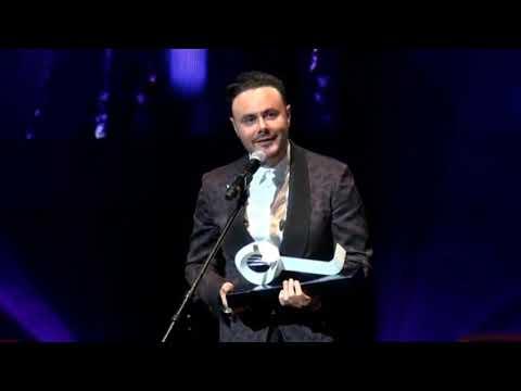 Agradecimiento A Yuridia Por Premio SACM De José Luis Roma Por Amigos No Por Favor