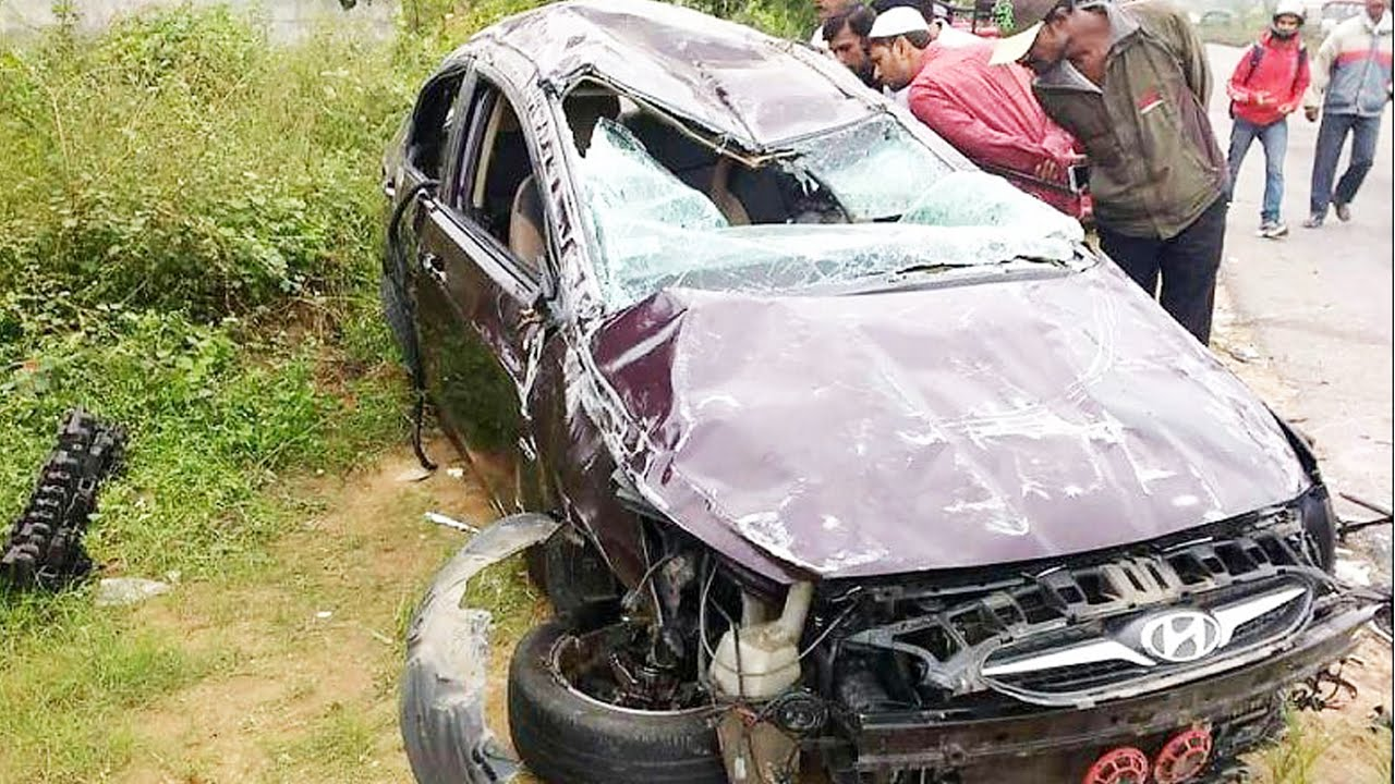 Latest Car Accident of Hyundai Verna in India - Road ...