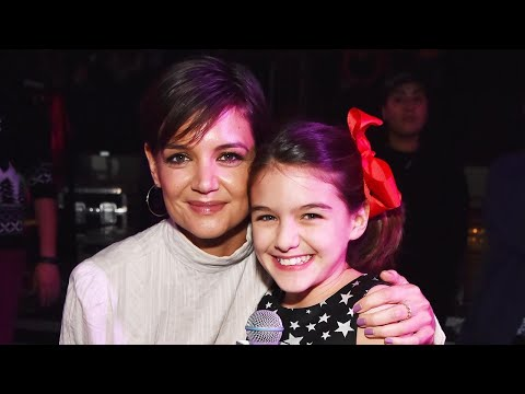 Katie Holmes & Daughter Suri Cruise Adorably duce Taylor Swift at Jingle Ball
