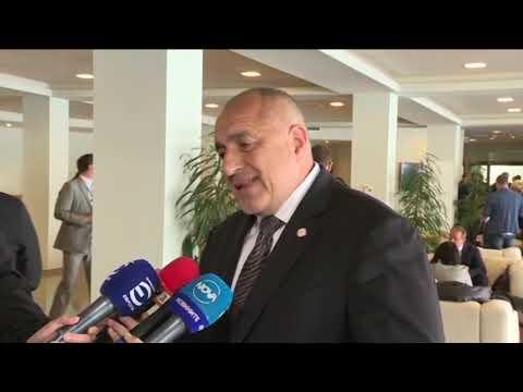 """Бойко Борисов: Вече сме """"17+1"""". Това, което стартирахме в София миналата година – присъединяването на Гърция, е вече факт. Друго взето решение е, че мозъчният тръст на """"17+1"""" ще е в София. Подписаха се договори за пристанища, жп линии. Следващата среща ще е в Китай."""