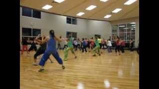 Zumba Squat Battle with Isabel and Candy