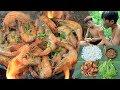 Primitive Technology - Cooking shrimp on a rock for dinner