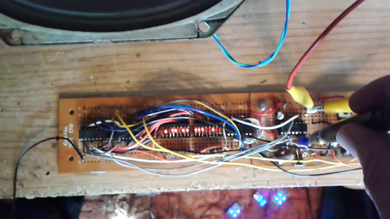 Flashing Led Christmas Lights And White Noise Generator Youtube Light Flasher Circuit Is Controlled By Audio