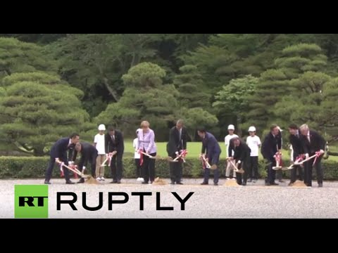 Japan: World leaders plant Japanese cedar trees as G7 summit begins