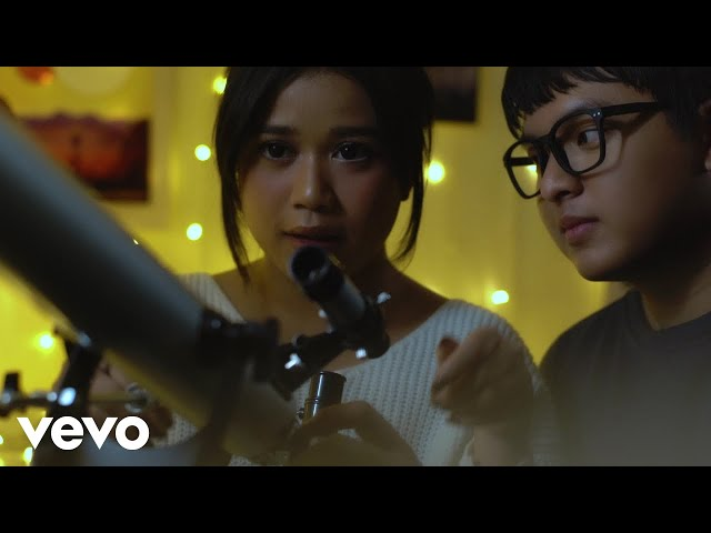 Arsy Widianto - Planet Tempat Ku Sembunyi (Official Music Video)
