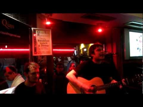 With or Without you / Don't stop believin' - U2 meets Jounery at Quays Temple Bar,Dublin