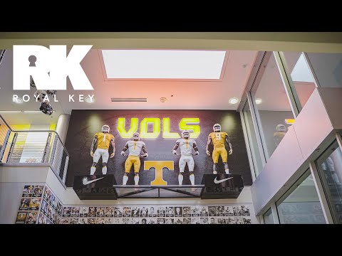 We Toured The TENNESSEE VOLUNTEERS' FOOTBALL Facility | Royal Key | Coiski
