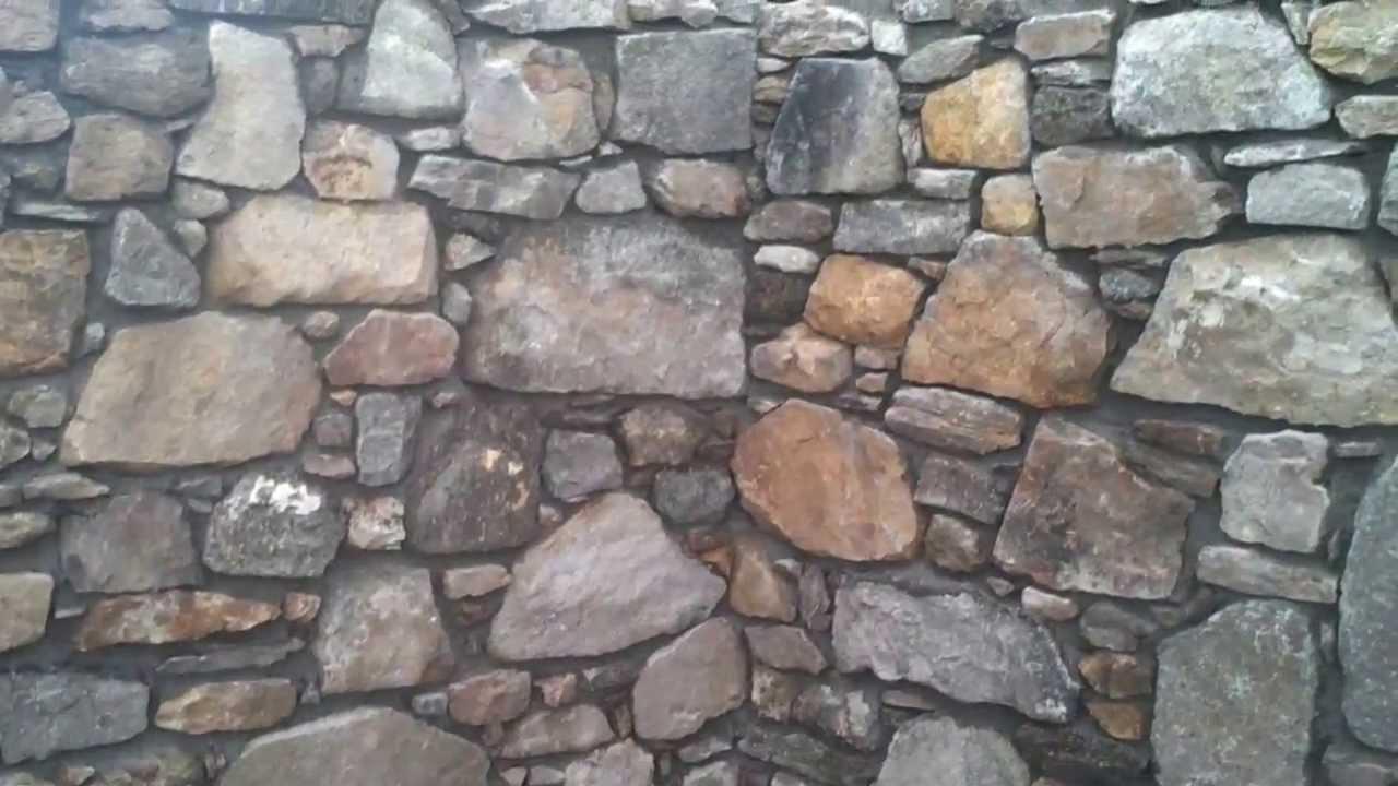 Spárování staré kamenné zdi