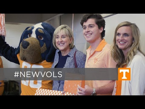 Tennessee Chancellor Surprises Local Students With Acceptance Offers