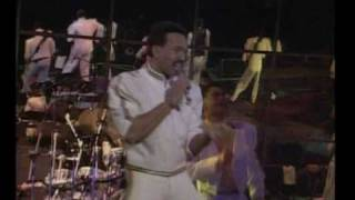 Earth wind & fire- 2 clips live system of sur vival - for the love of you