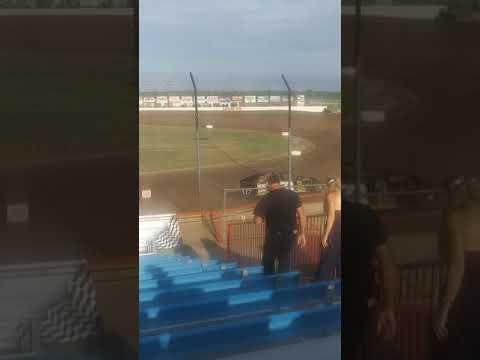 The lucas oil Speedway races