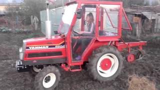 Repeat youtube video Tractor japonez la arat - YANMAR