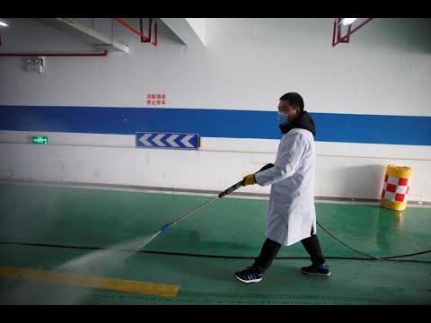 Premières évacuations d'étrangers en Chine où le coronavirus se propage