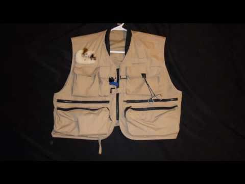 How To Use Your Fly Fishing Vest Rod Holder - DFF009