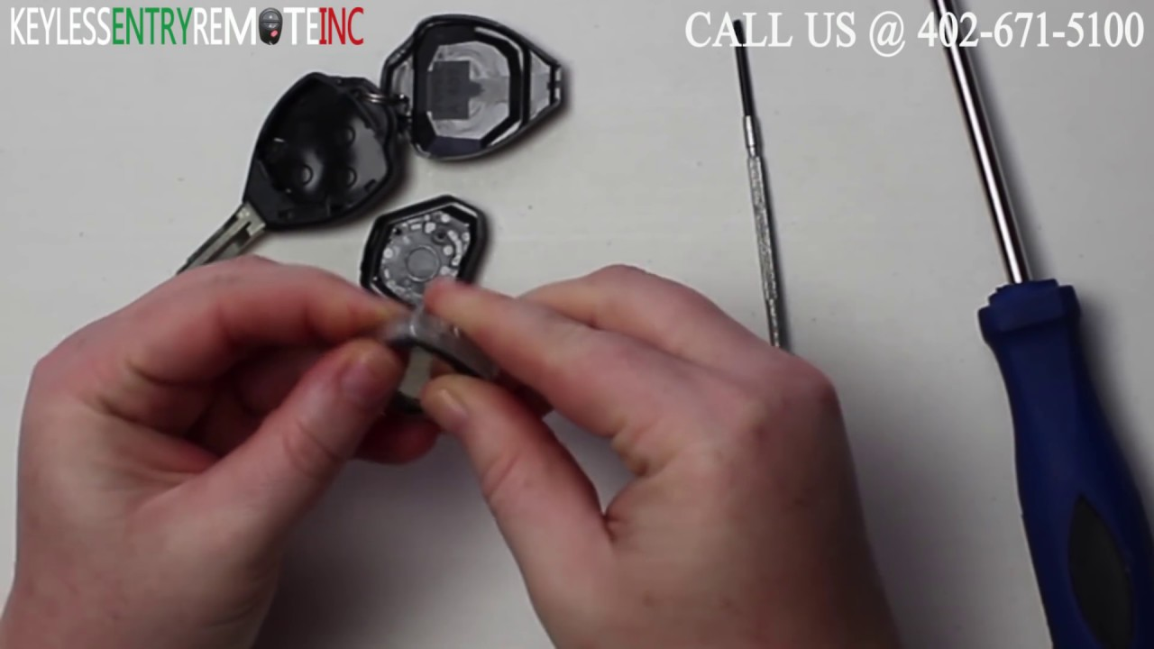 how to replace toyota rav4 key fob battery 2007 2008 2009 2010 2011 [ 1280 x 720 Pixel ]