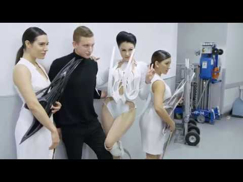 THE NEW BIONIC  -  VIKTORIA MODESTA