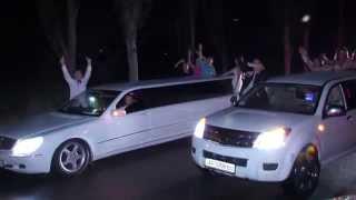 Выпускники на лимузинах