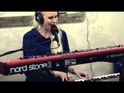 Susanna feat. Helge Sten & John Paul Jones 'We Offer' mp3